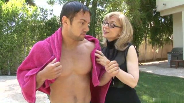 Sexy Mature Granny Nina Hartley Bangs With Hung Fuck Boy The