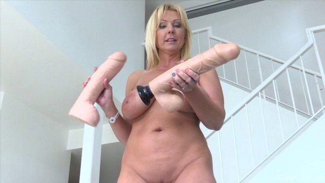 Naked pornind ian woman while she was bathing