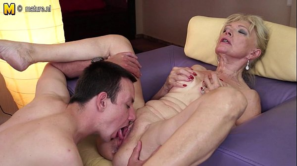 kuni-pissing-eblya-hudih-starushek-seks-v-lesu-tolko-foto